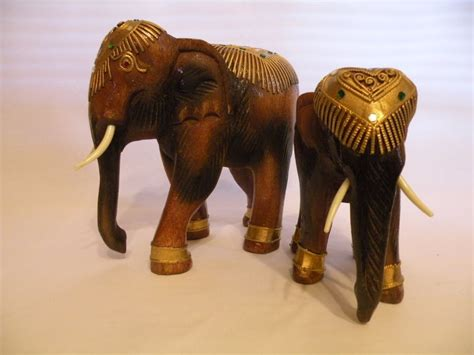 Elephant Handmade - 2 wooden elephant decorated from thailand handmade