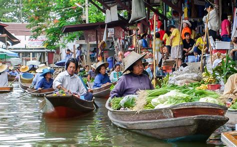 visit  floating market damnoen saduak floating market