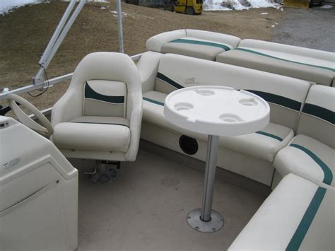pontoon boat seats toronto 1999 bennington 18 pontoon boat w 1999 johnson 50hp seats