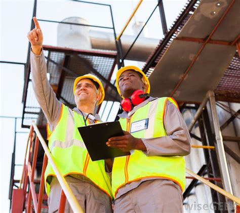 Construction Foreman by What Is A Construction Foreman With Pictures