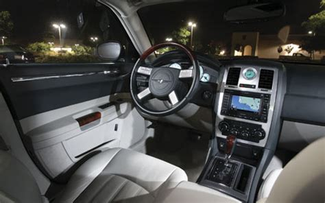why are chrysler 300 so cheap on lemming car design and why i it when