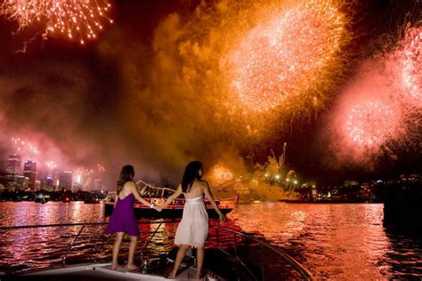 sydney harbour cruise new years new year s boat hire sydney harbour compare prices