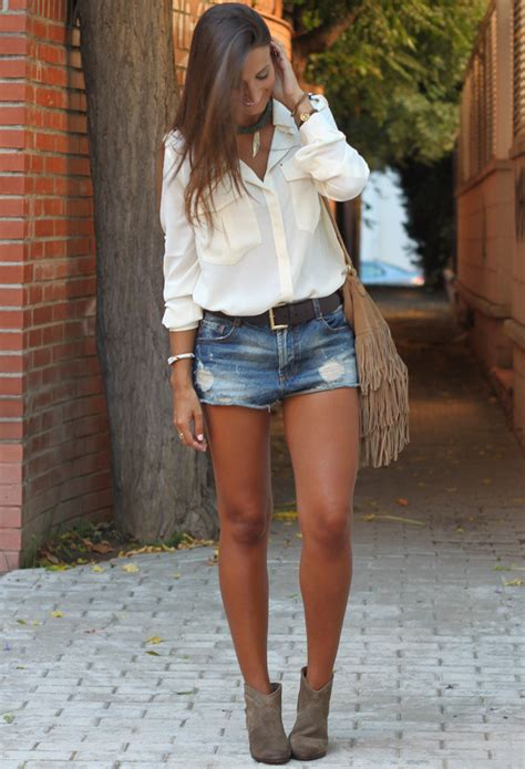 Ways To Look In Shorts by 16 Ways To Wear Your Denim Shorts This Fashion