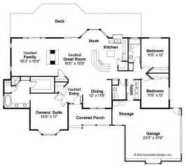 split bedroom floor plan definition