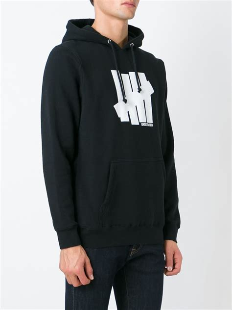 Jaket Zipper Hoodie Sweater Undefeated Logo undefeated logo print hoodie in black for lyst