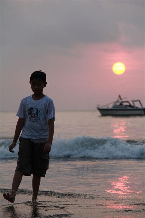 Wallpaper Anak Pantai | anak pantai by aditwicak on deviantart