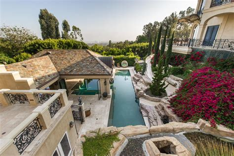 The Backyard Los Angeles Tour A European Style Villa With A Palatial Pool Hgtv