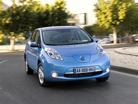 nissan renault car renault nissan celebrate 350 000 electric vehicles sold