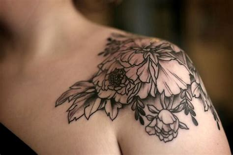 simple tattoo on shoulder 63 black and grey fantastic shoulder tattoos