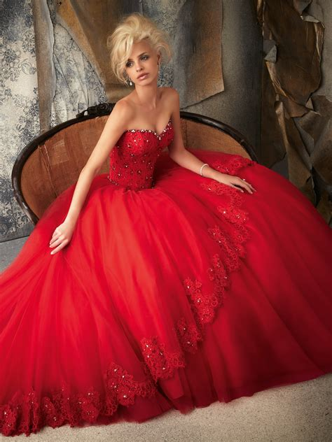 red wedding dress with sweetheart neckline sang maestro
