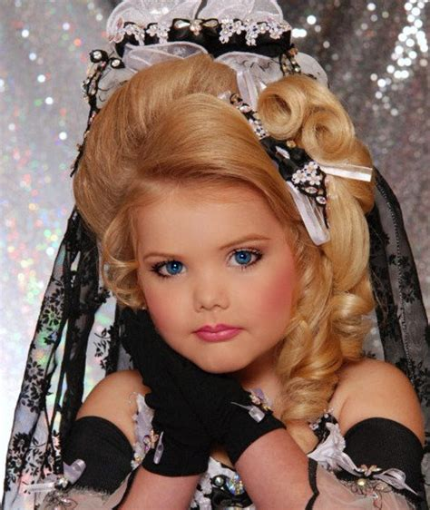 child beauty pageants child pageant headed down under abc melbourne