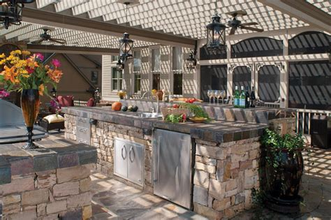 Stainless Steel Topped Kitchen Islands by Tips For An Outdoor Kitchen Diy