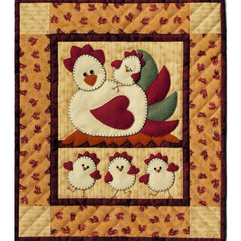 cat applique pattern wall hanging chicken coop wall hanging applique quilt kit beginner