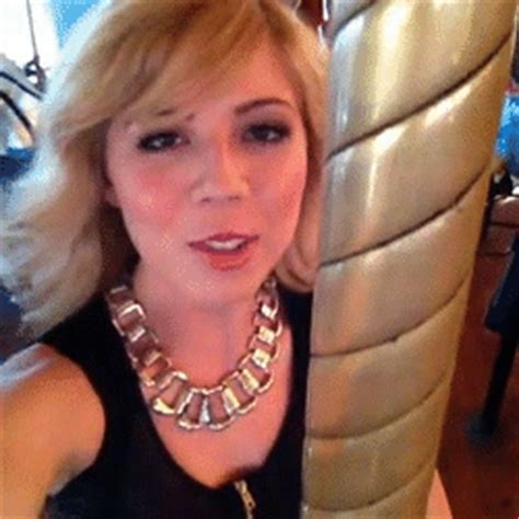 imagenes mas videos pal face jennette mccurdy gif find share on giphy