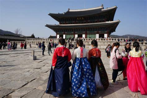 Hanbok Remaja hanbok jadi tren di kalangan muda korea korea iyaa