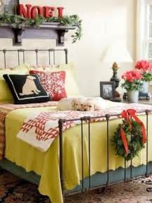 Christmas Bedroom Decorations 32 Adorable Christmas Bedroom D 233 Cor Ideas Digsdigs