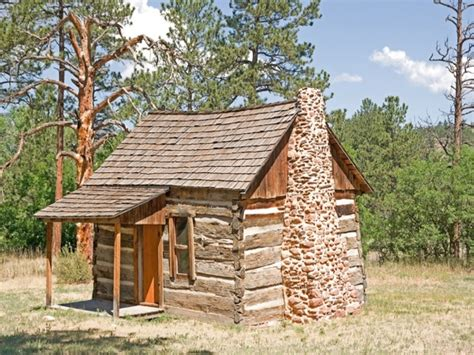 how to build a tiny cabin log cabin tiny house inside a small log cabins tinny