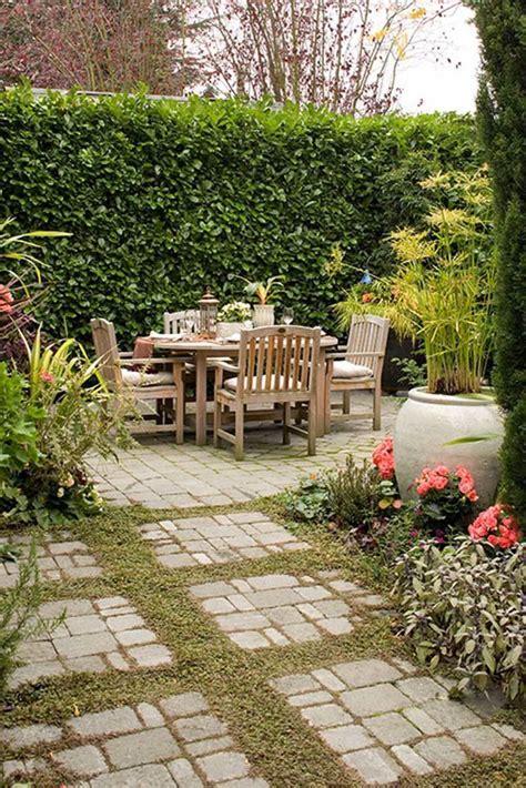 Garden Edging for Maintenance & Ornament   Design for the
