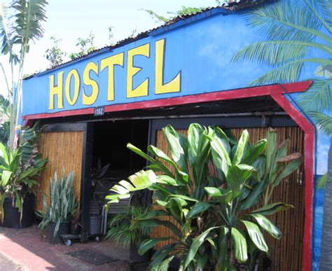 kauai beach house hostel places to stay on kauai kalalau trail