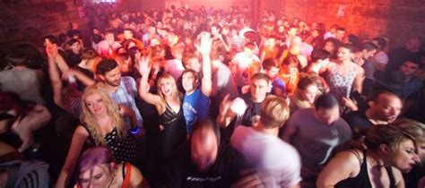 costo ingresso discoteca fellini veglione di capodanno a serata low cost all atm bar