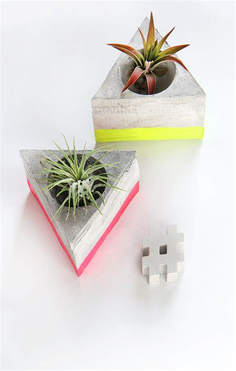 Diy Plant Holder - my diy triangle cement airplant holder i diy