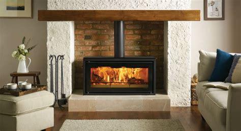 poele dans cheminee poele a bois encastrable dans chemin 233 e energies naturels