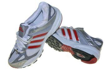 sepatu running adidas running clasic putih merah
