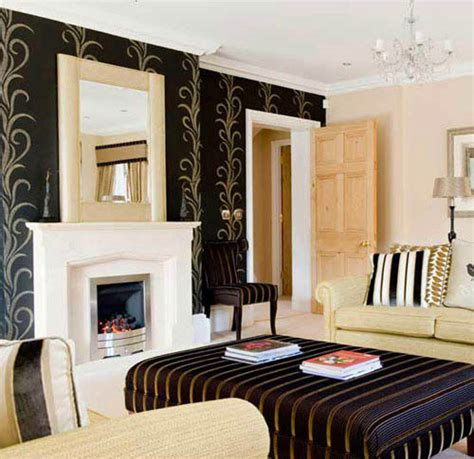 Black Gold Wallpaper Living Room | the dragon year feng shui colors and interior decorating ideas