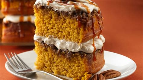 pumpkin cakes praline pumpkin cake recipe from betty crocker