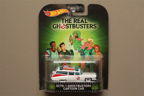 Promo Hotwheels Retro Ghostbuster Ecto 1 Car wheels 2015 retro entertainment ecto 1 car the real ghostbusters