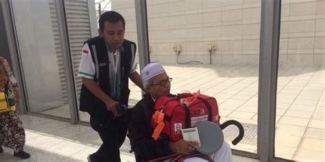 Kursi Roda Tahun tahun ini kursi roda jemaah haji indonesia mudah