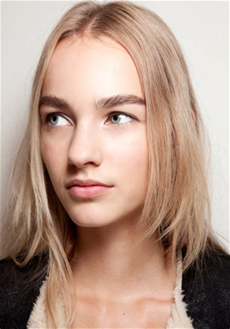 hairstyles that makes your hair grow hairstyles 5 ways to make your hair grow faster elle canada