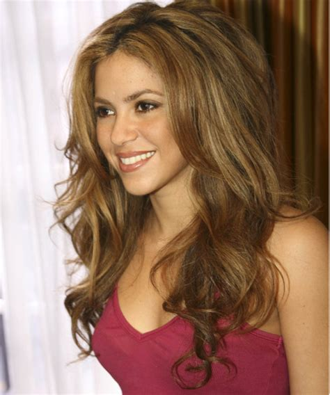 what color is shakira hair 2014 awesome shakira new haircut 2017 and hair color photos