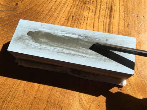 using a sharpening sharpening lino cutting tools using a whetstone