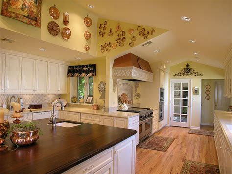 country colors for kitchens decorating tips ideas for a country kitchen color scheme