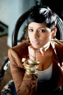 20 coupes de cheveux courts pour femme black afro
