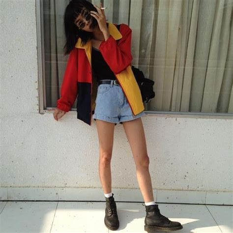 25  best ideas about 90s Style on Pinterest   90s outfit