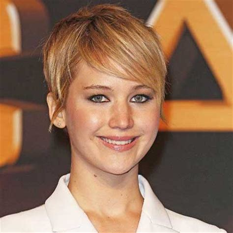pixie haircuts for double chins long pixie style haircut photos for double chin fat faces