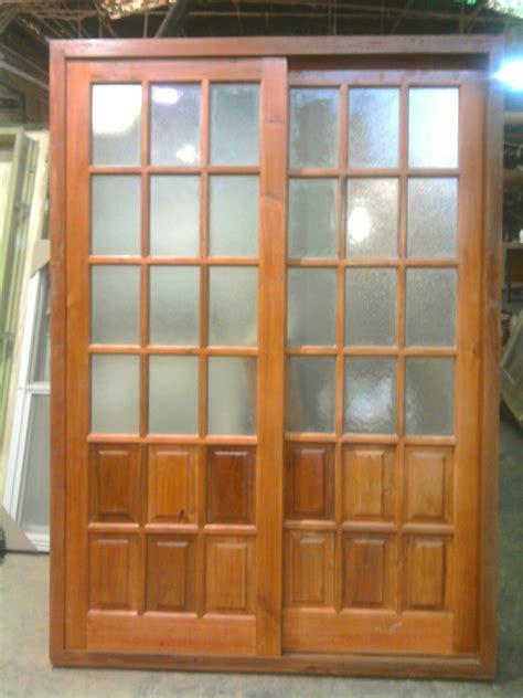 puertas de madera  vidrio abatible de madera de fibra