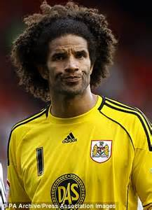 black premier league players hair styles top 10 best afros in premier league willian fellaini