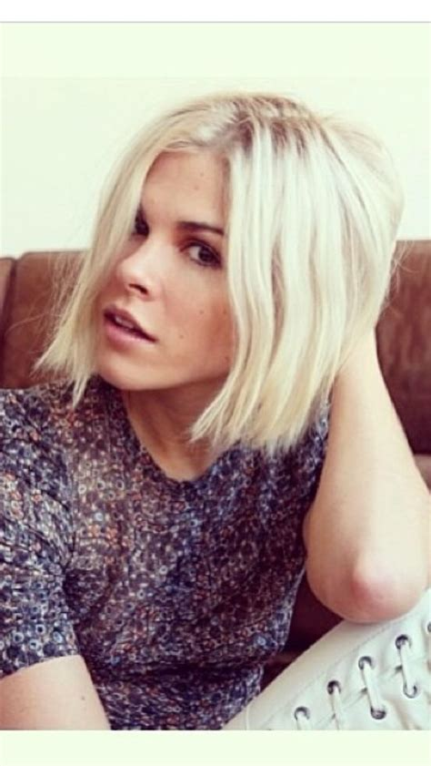 images of ladies hair with bold blonde or white streaks 17 best ideas about grunge haircut on pinterest grunge
