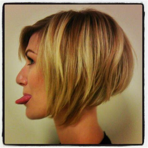 angled stacked bob haircut photos angled bob pictures show front and back view how to cut