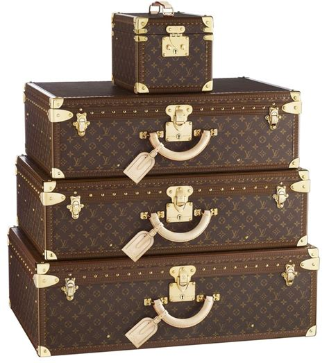 The Ultimate Cq Suitcase The Results by Best 25 Designer Luggage Ideas On Louis