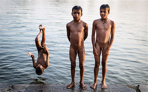 Naked Indian Boys Bathing Gallery My Hotz Pic