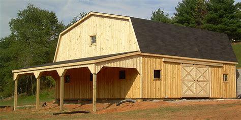gambrel roof barns barn overhang lean to barn horse lean to horizon