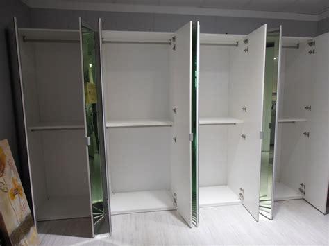 armadio a specchio armadio ante a specchio scontato 62 armadi a