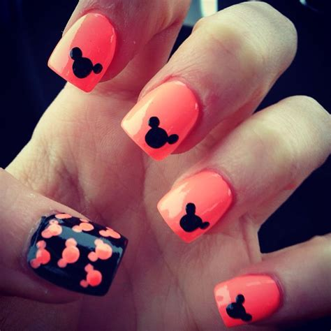 disney pattern nails 481 best images about disney nails on pinterest nail art