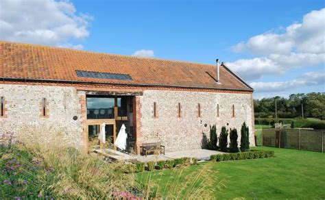 luxury norfolk holiday cottages and barns to rent