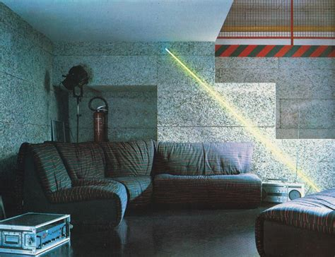 80s interior design 1980s interior design trend stripes mirror80