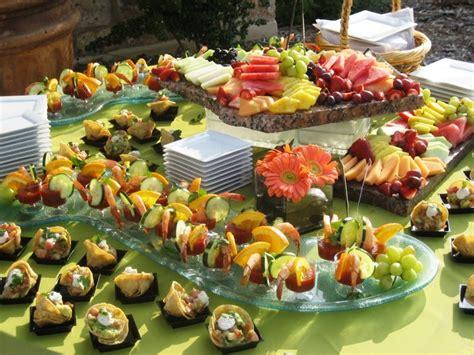 organize  nice cocktail dinner   survive  paris